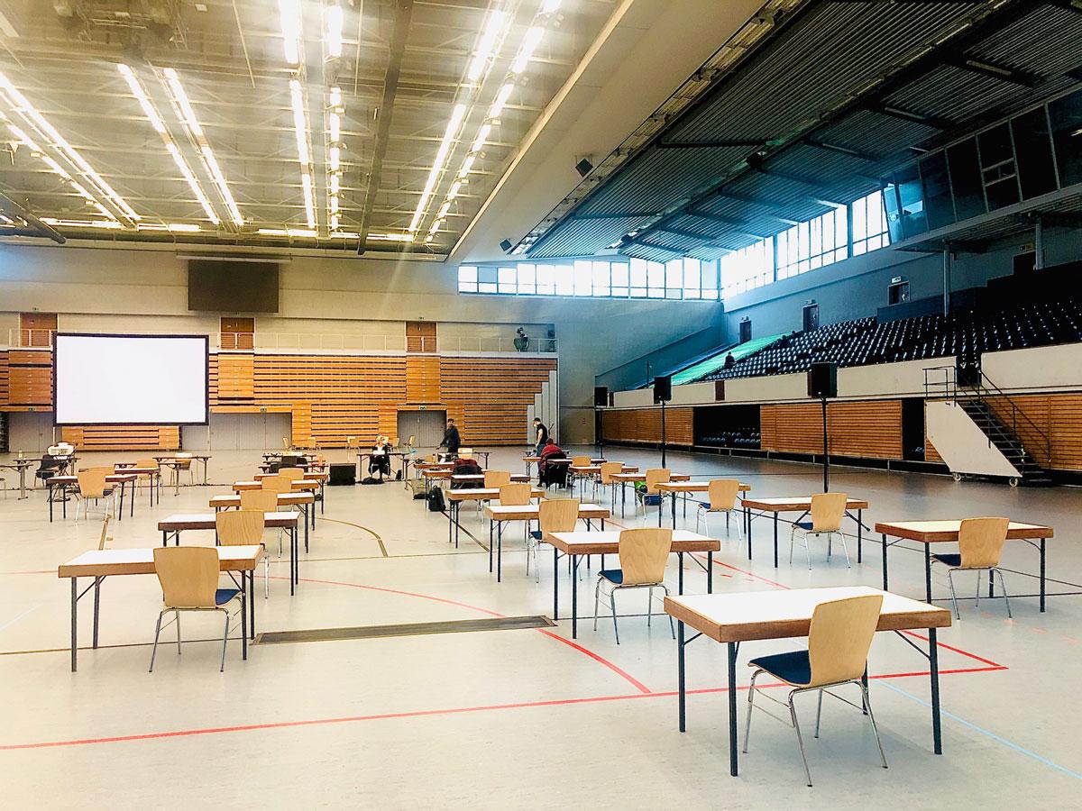 Bezirksversammlung tagt einmalig in der Alsterdorfer Sporthalle